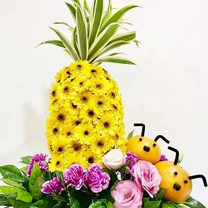 Singapore CNY Decoration - Prosperity Pineapple with Hwang Hwang