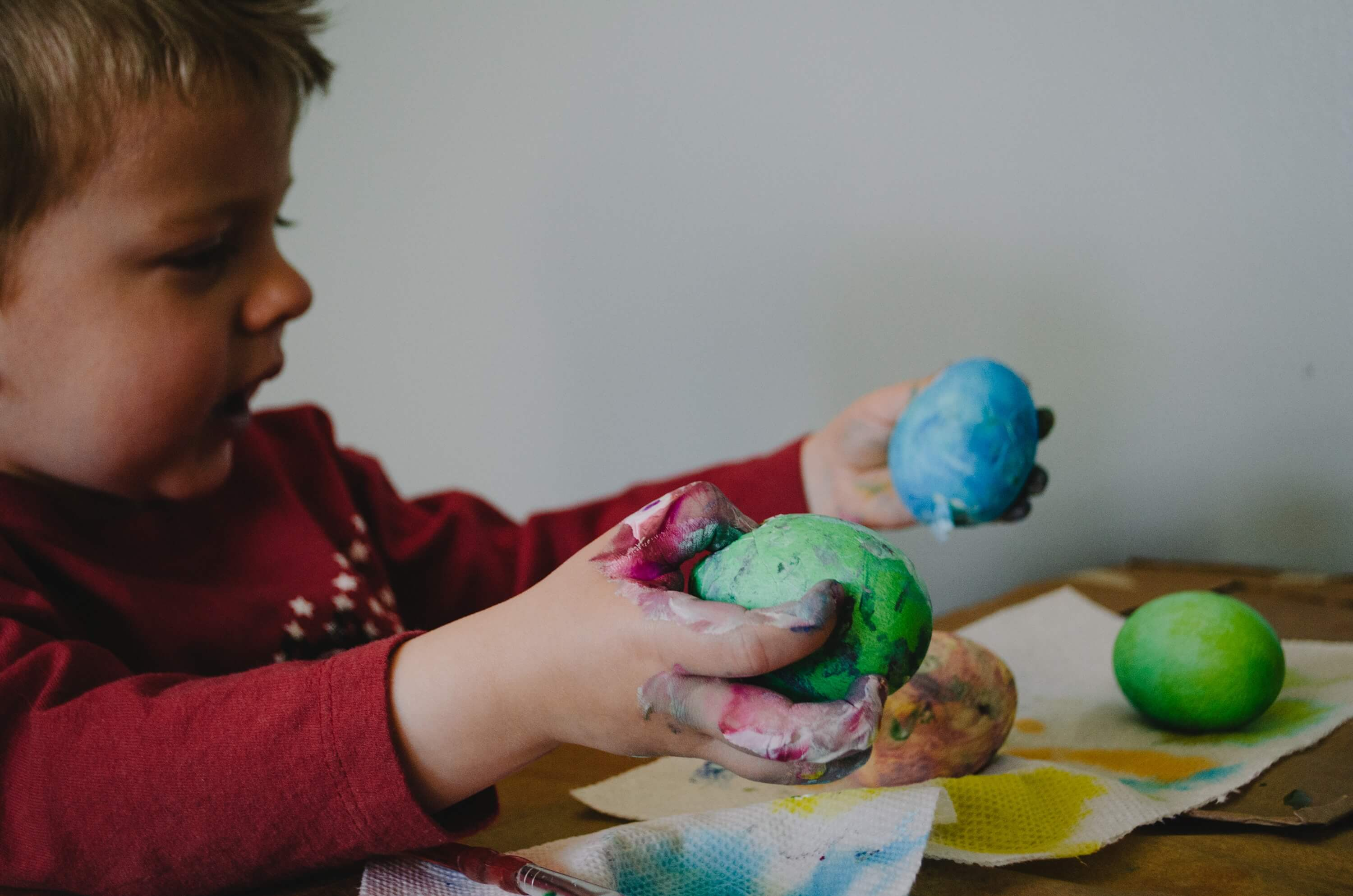 Easter activities with kids - color Easter eggs