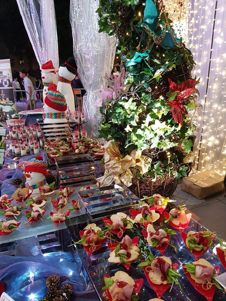 Catering Service Singapore - Hows Catering Xmas