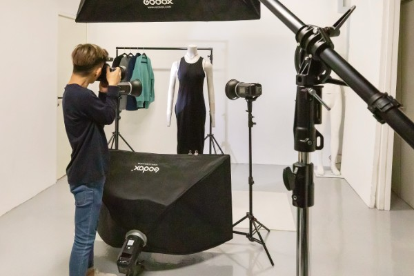 Co sharing space with photography studio