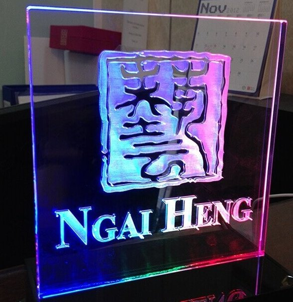 printing services singapore - ngai heng crystal standee