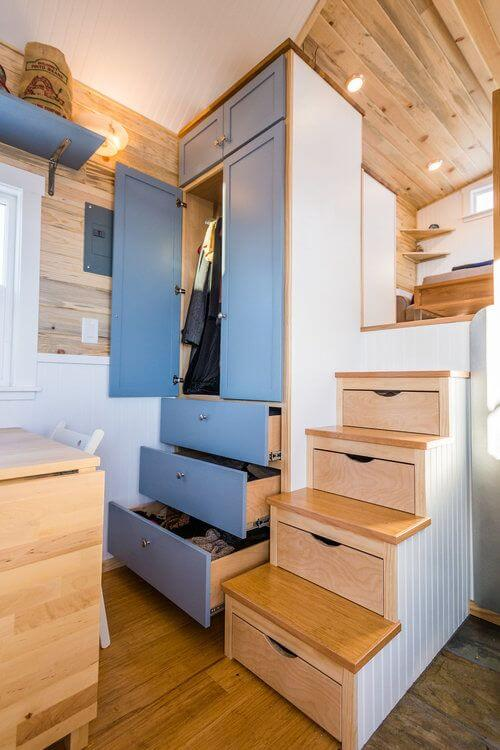 renovation style 2019 singapore - built-in storage space