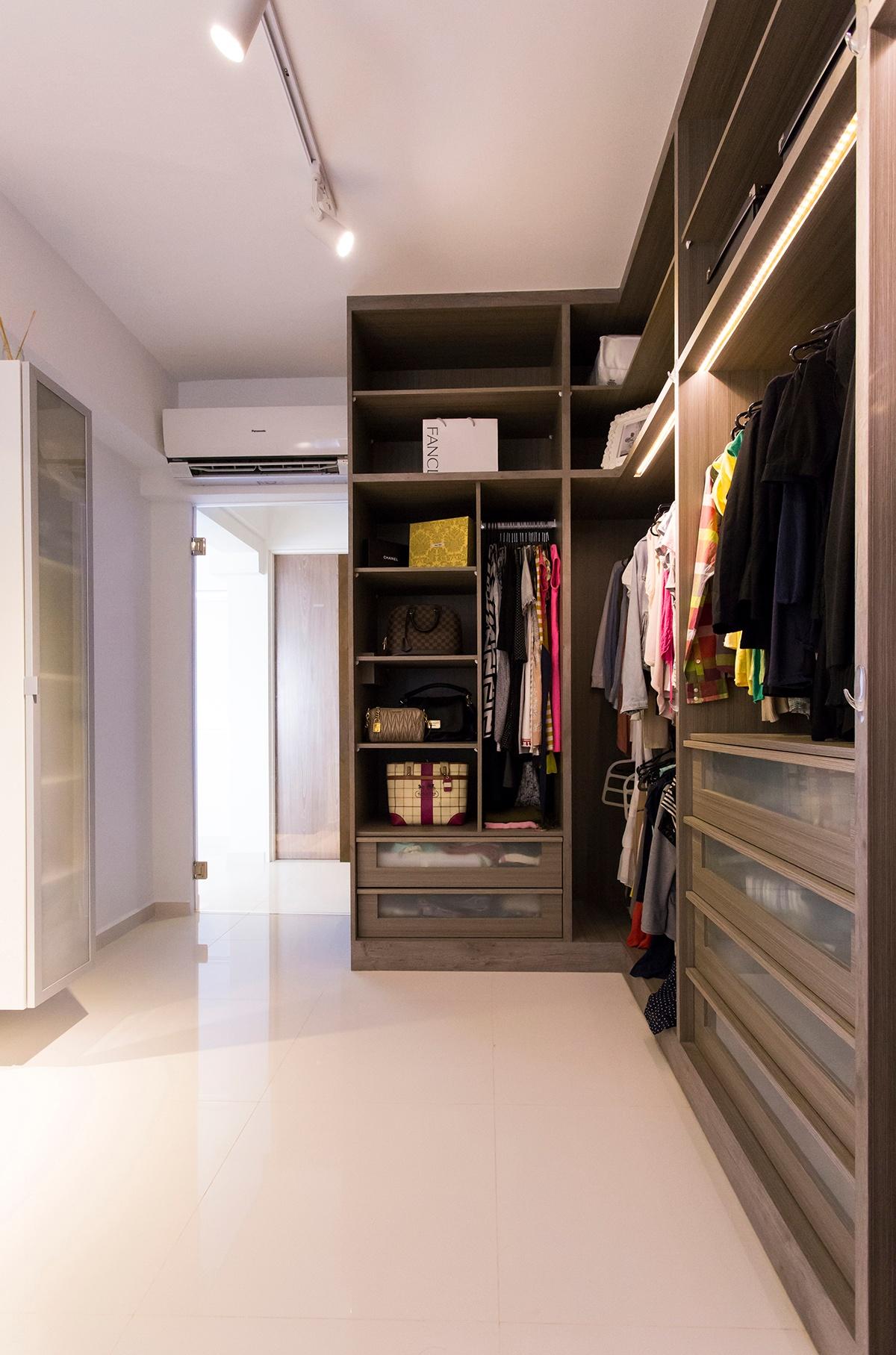 icon interior design 211A Punggol Field - Walk-in wardrobe 1