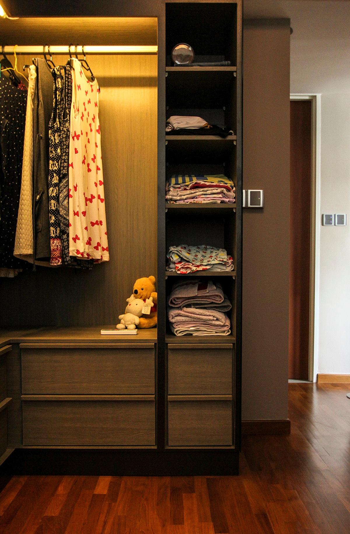 icon interior design 264A Punggol - Wardrobe2.jpg