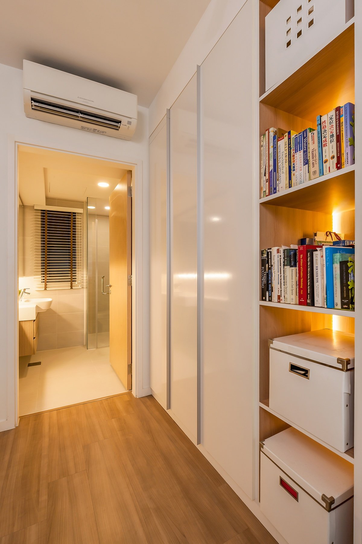 Singapore Hdb Room With Study Table: Stunning Singapore Home Office That Could Be Yours