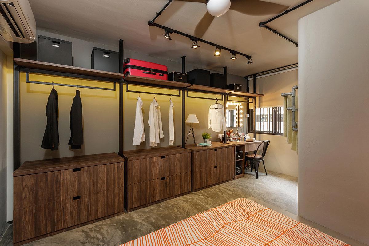 icon-interior-design-Kim-Keat-HDB-Master-Bedroom-Wardrobe-and-Dresser-1